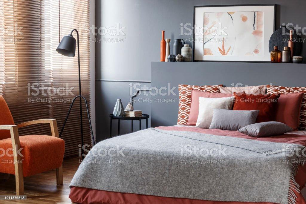 Graue Gemutliche Schlafzimmer Innenraum Stockfoto Und Mehr Bilder Von Behaglich Istock