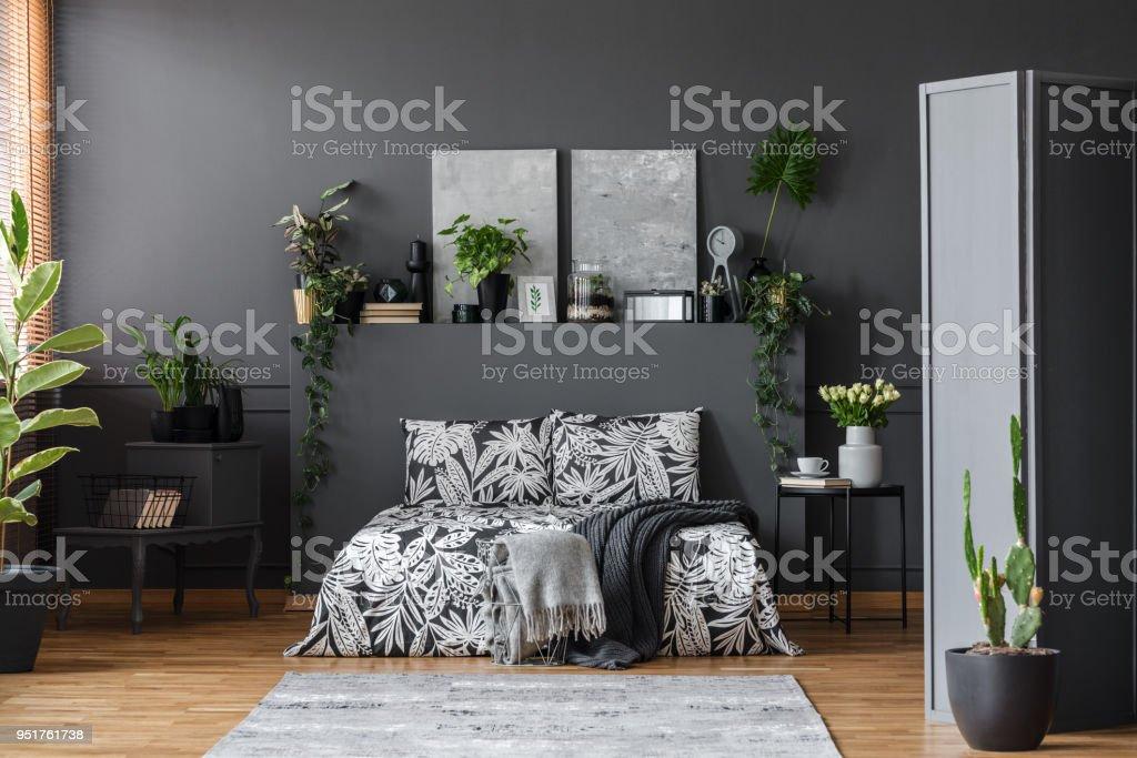Graue Blumen Schlafzimmer Innenraum Stockfoto und mehr ...