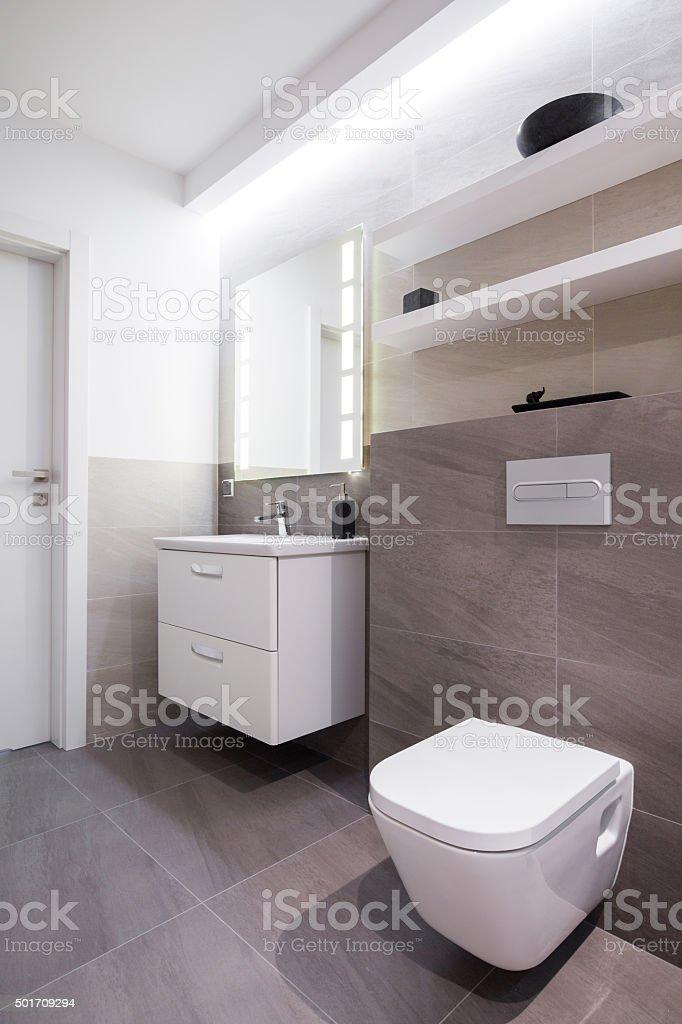 Grauen Fliesen Im Badezimmer Stockfoto und mehr Bilder von ...