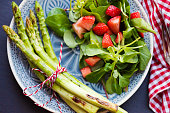 istock Grilled Asparagus with Strawberries 687780014