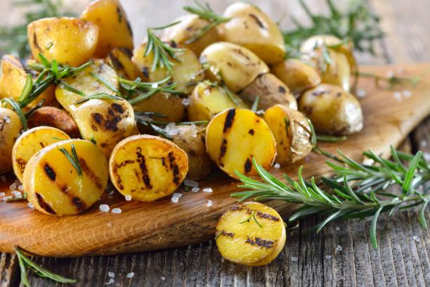 Gegrillte Babykartoffeln – Foto