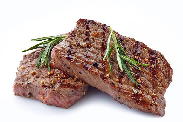 gegrilltes rindfleisch steak - marinade für grillfleisch stock-fotos und bilder