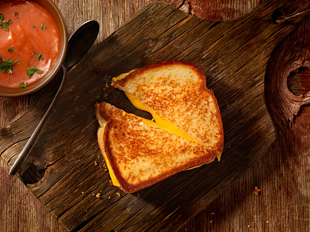 grilled cheese sandwich with tomato soup - cheese sandwich bildbanksfoton och bilder