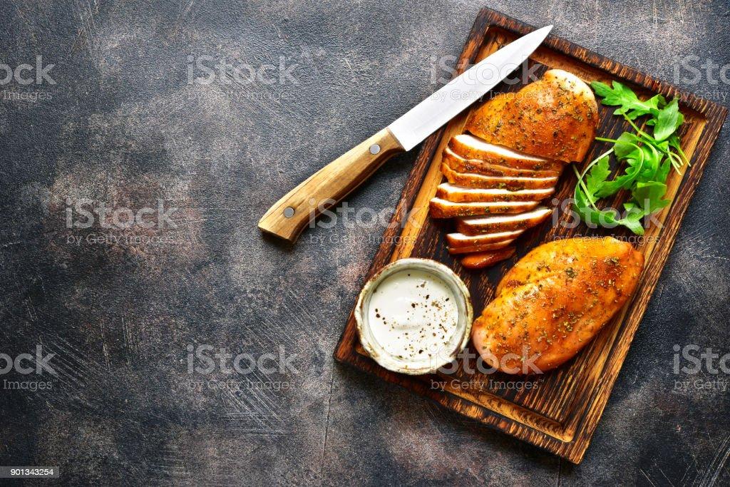 Gegrillte Hähnchenbrust in einer süß-sauren marinade – Foto