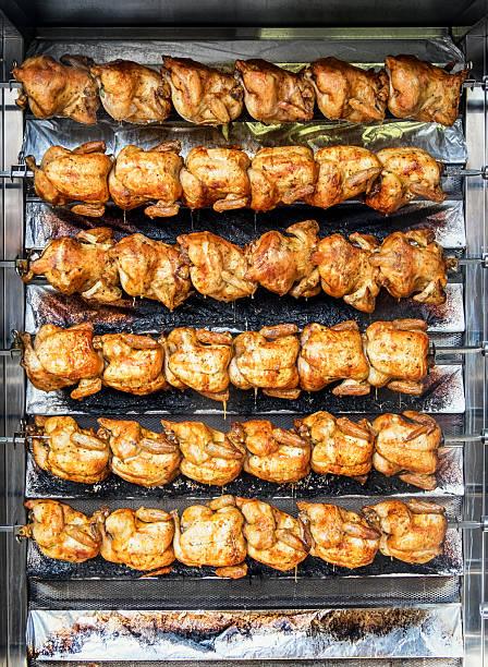 pollo ai ferri - girarrosto foto e immagini stock