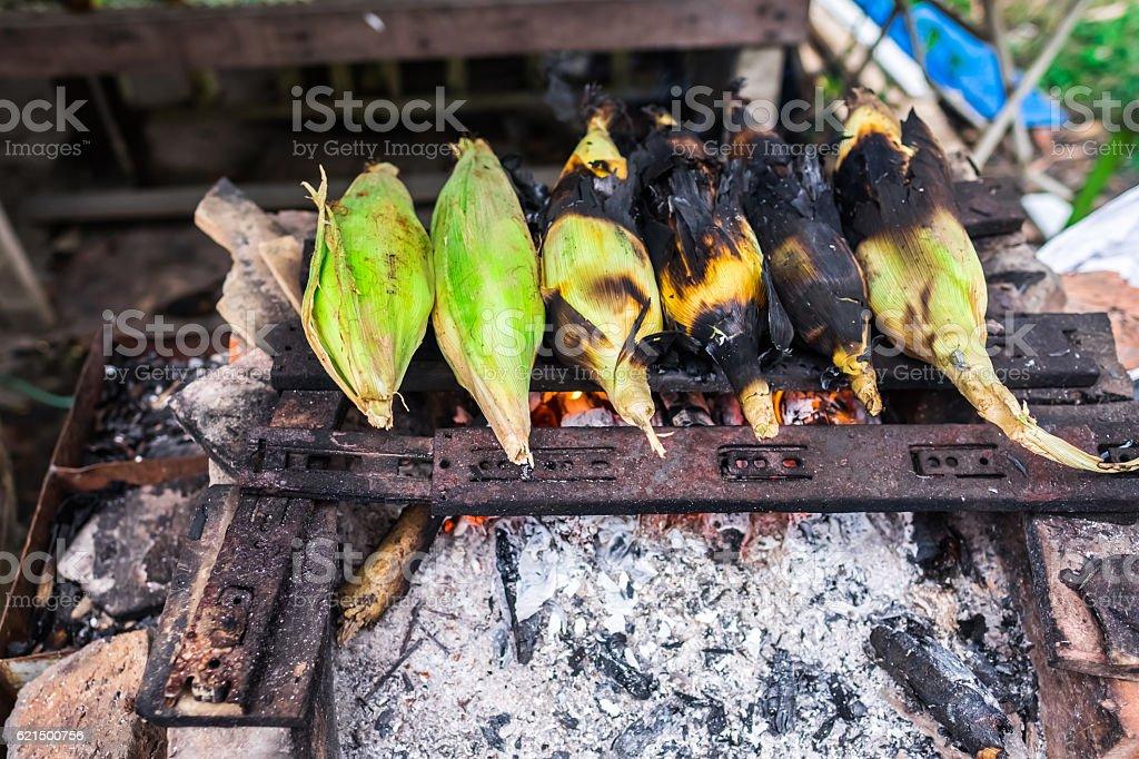 Grilled Corns Sold in Roadside Stall in Borneo photo libre de droits