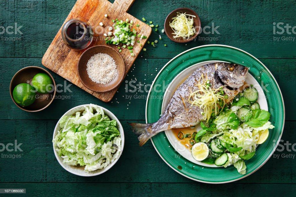 Sebzeli ızgara çipura - Royalty-free Akdeniz mutfağı Stok görsel