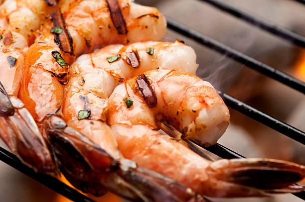 grilled shrimp - räka fisk och skaldjur bildbanksfoton och bilder