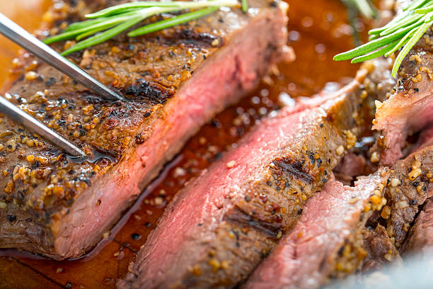 grilled steak - strip steak stockfoto's en -beelden