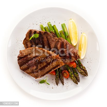 istock Grilled steak with asparagus 1090831256