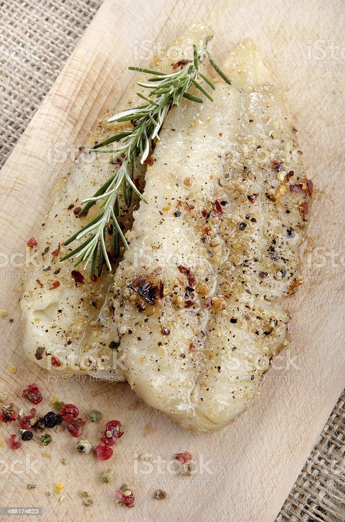 Filé de pescada grelhado com pimenta - foto de acervo