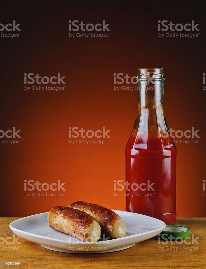 grilles Würstchen und ketchup – Foto