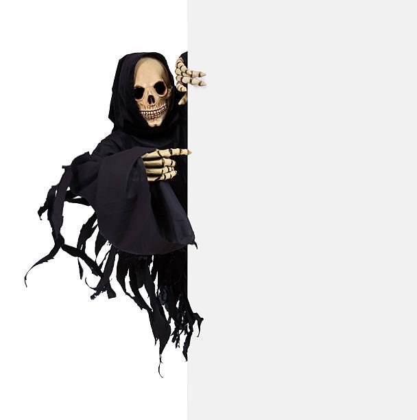 sensenmann mit schild - skelett hand stock-fotos und bilder