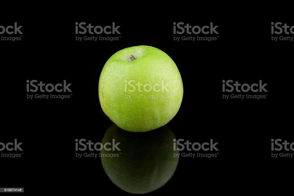 grüner apfel stock photo