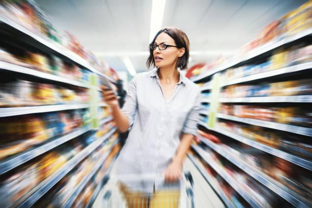 grocery shopping. - prateleira compras imagens e fotografias de stock