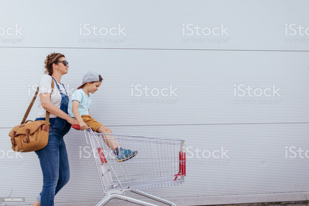 Grocery shopping - foto stock