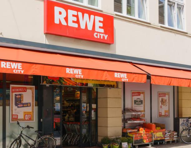 rewe supermarkt - rewe germany stock-fotos und bilder