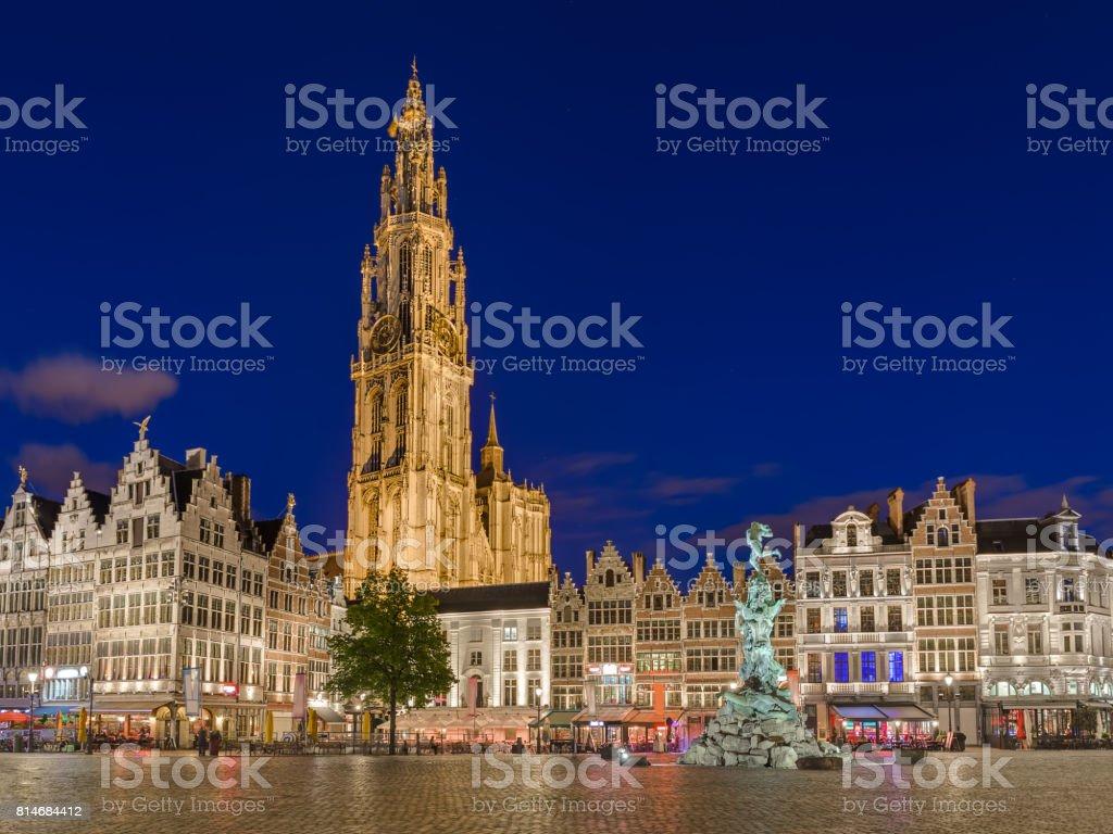 Grote Markt De Amberes Bélgica Foto De Stock Y Más Banco De