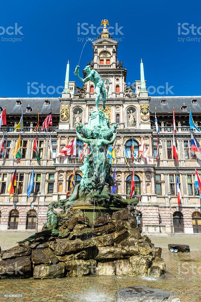 Grote Markt à Anvers avec Statue - Photo
