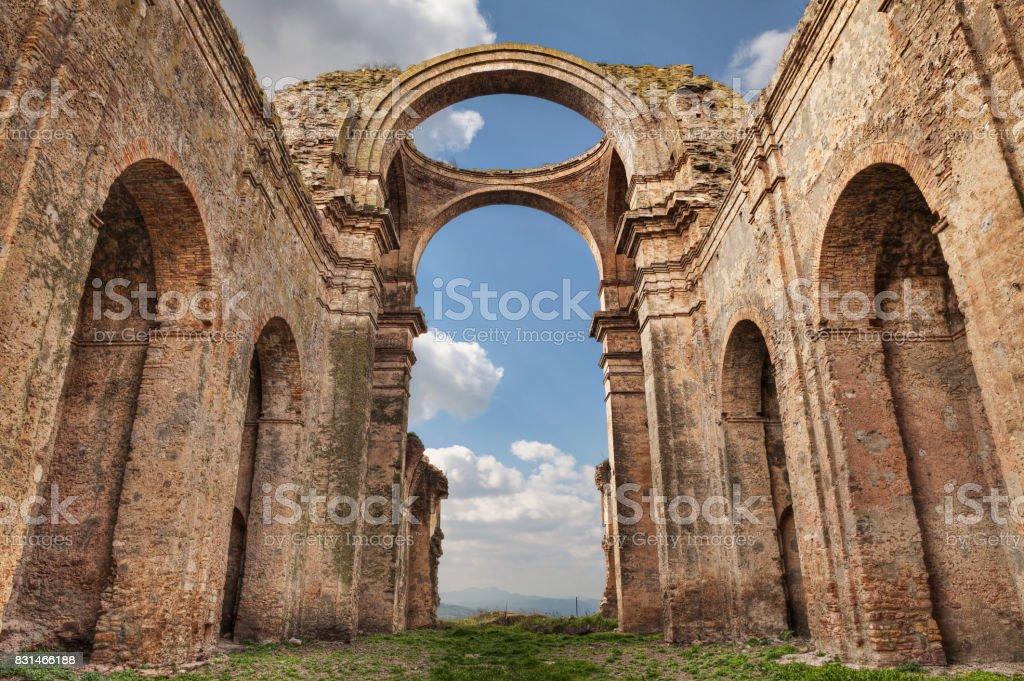 Grottole, Matera, Basilicata, Italy: the ruins of the ancient church - foto stock