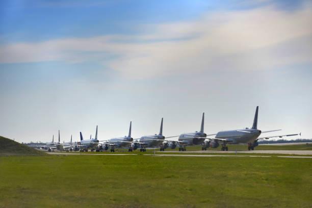 jordat flygplan, covid - 19 koronar pandemi - grundstött bildbanksfoton och bilder