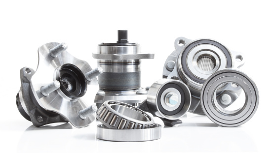 istock Group bearings and rollers (automobile components) 487920772