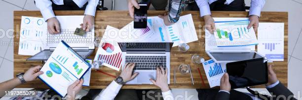 Group business people problem solution in office table picture id1197388079?b=1&k=6&m=1197388079&s=612x612&h=5ozhmy5c3mf5hmjk3saee8nscrizzxxr0o 7sdscwaw=