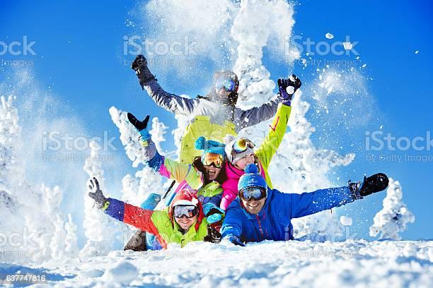 Group happy friends ski resort picture id637747816?b=1&k=6&m=637747816&s=612x612&h=fk0yvcqowwju70b3z7v1xsf3orpakffk9n7dhkirddk=