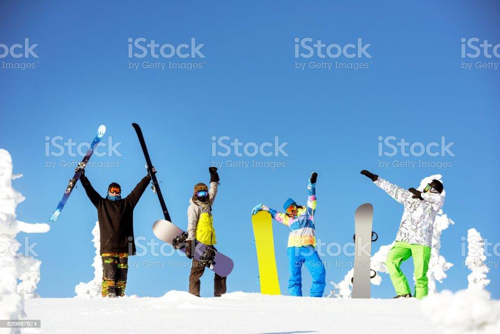 Group happy friends snowboard ski concept - foto de stock