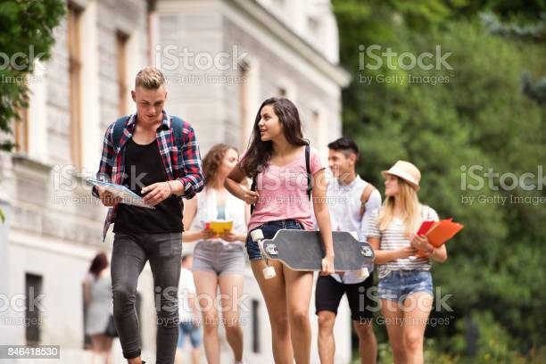 Group of attractive teenage students walking to university picture id846418530?b=1&k=6&m=846418530&s=612x612&h=jx suxjjkwmxyva0uobvlhs4r urvzh40 rzodnvvp0=