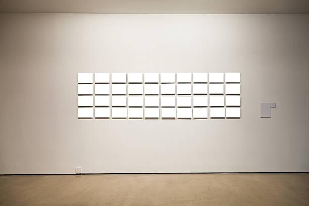 Gruppe von leeren Rahmen an der Wand im art gallery – Foto
