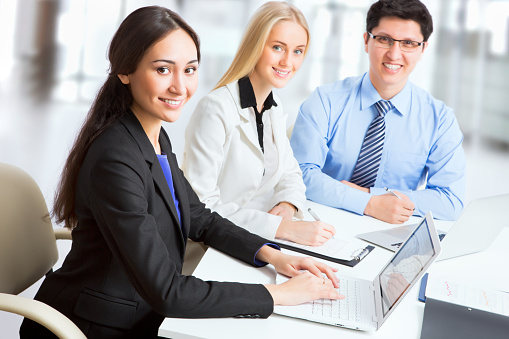 995734014 istock photo Group of business people 482385514