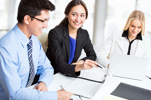 995734014 istock photo Group of business people 482385522