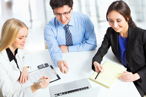 995734014 istock photo Group of business people 482391810