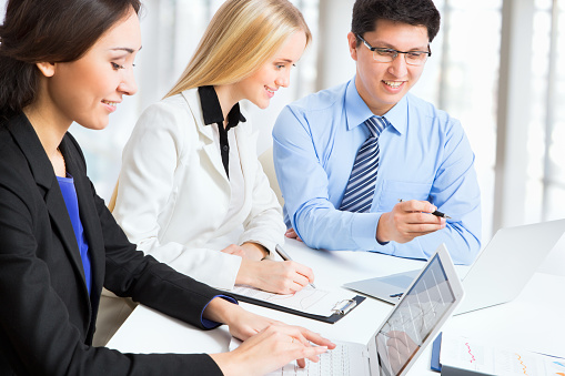 995734014 istock photo Group of business people 482391838