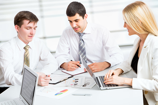 995734014 istock photo Group of business people 482589686