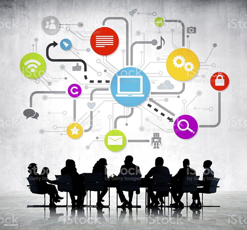 Group Of Business People Working и глобальных сетях - Стоковые фото Белый роялти-фри
