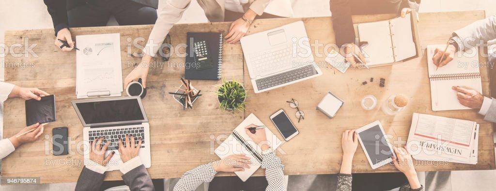 Gruppe von Unternehmen Menschen arbeiten im Büro – Foto