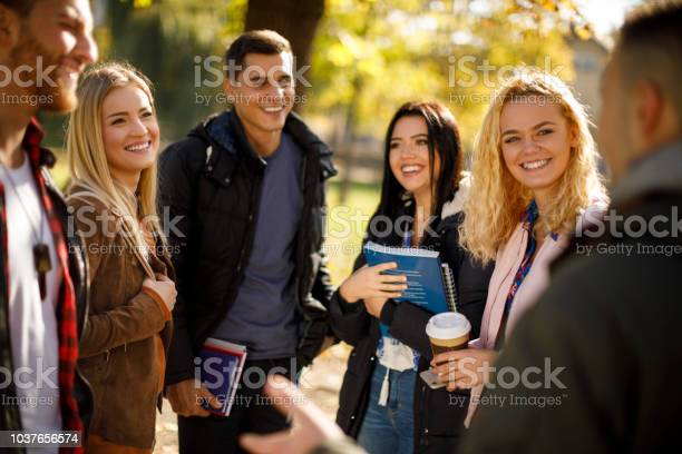 Group of college students on university campus picture id1037656574?b=1&k=6&m=1037656574&s=612x612&h=gwrkywacdfnlzeote9gg5lgiz3rzsywz3bkqhtdxy e=