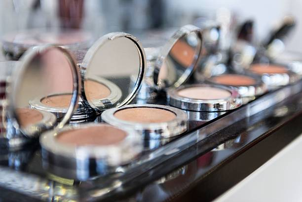 group of compact make-up powders - makeup artist bildbanksfoton och bilder