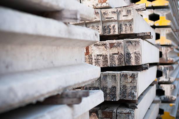 gruppe von beton felsplatte - betonwerkstein stock-fotos und bilder