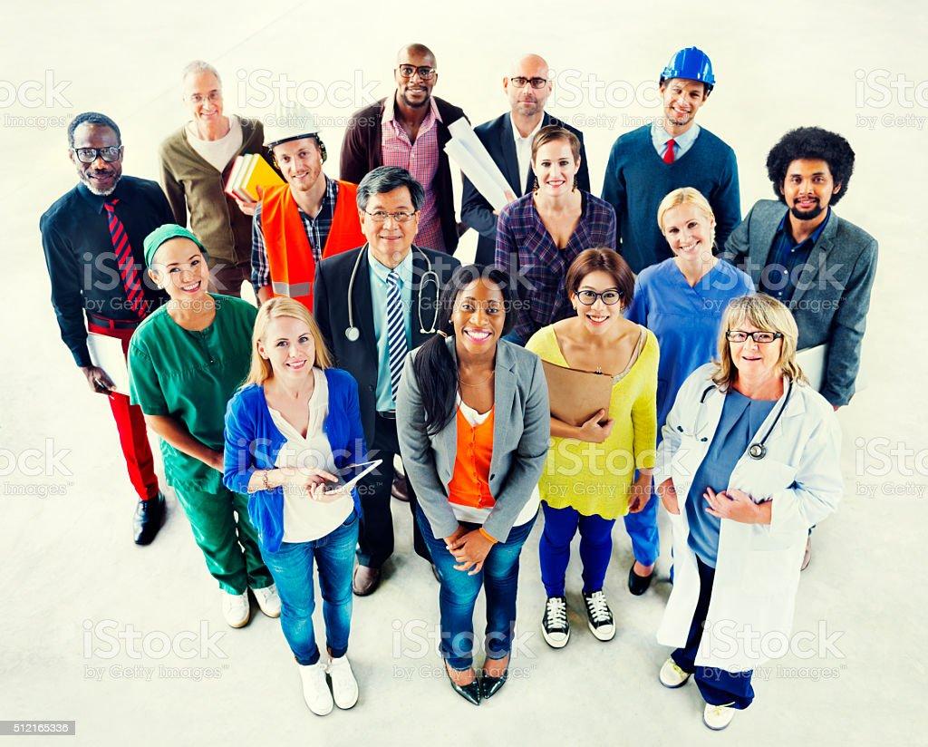 Eine Gruppe von verschiedenen multiethnische Menschen verschiedener Berufe Konzept – Foto