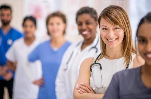 groep artsen - teamevenement stockfoto's en -beelden
