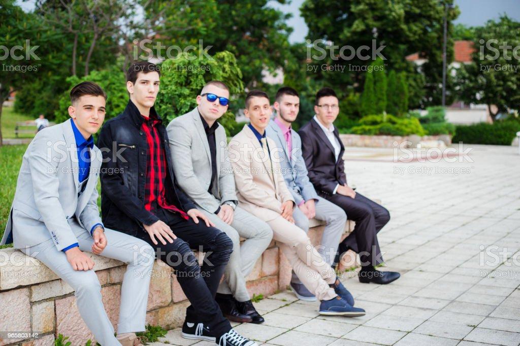 группа элегантности подростков - Стоковые фото 18-19 лет роялти-фри
