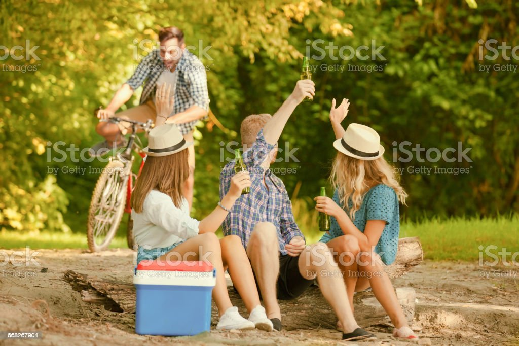 Group of friends Camping foto stock royalty-free