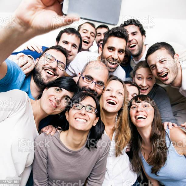 Group of friends doing a selfie picture id487921561?b=1&k=6&m=487921561&s=612x612&h=jxflthvidg88culgwbr4g4uxcs 5oeoa1nrf  xhmfk=