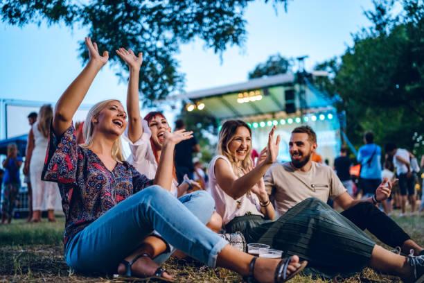 Group of friends on a music festival – zdjęcie