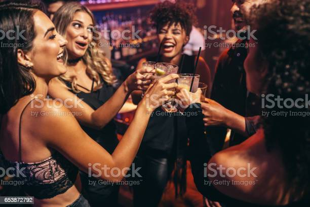 Group of friends partying in a nightclub picture id653872792?b=1&k=6&m=653872792&s=612x612&h=ymdtudloyns9ondvkbhhwtfdmws5ehkvskyovjap15c=