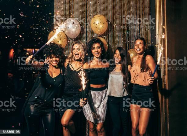 Group of friends partying in nightclub picture id643365196?b=1&k=6&m=643365196&s=612x612&h=m7pwzfylcm7li jpqlvwgray2or1jruf7gd7nheslwi=