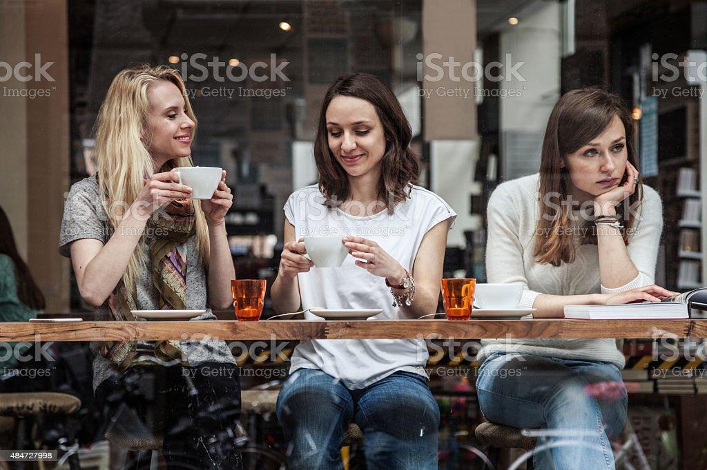 Gruppe von Freunden im Café in Skandinavien - Lizenzfrei 2015 Stock-Foto